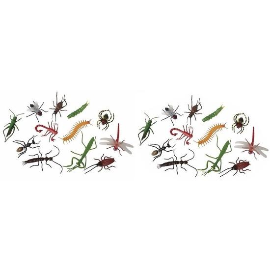 24x Plastic enge Halloween beestjes insecten