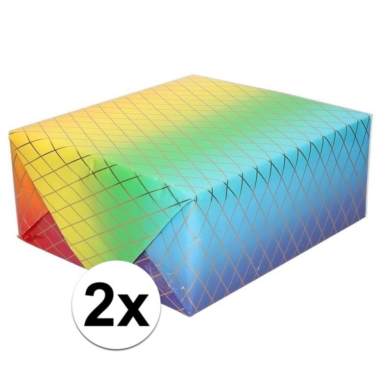2x Inpakpapier/cadeaupapier regenboog kleuren 200 x 70 cm