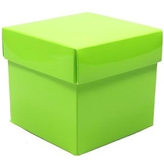 Groen cadeaudoosje 10 cm vierkant