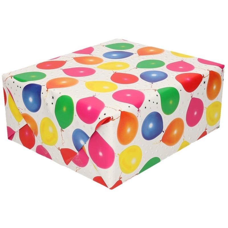 Inpakpapier/cadeaupapier metallic wit ballonnen 150 x 70 cm