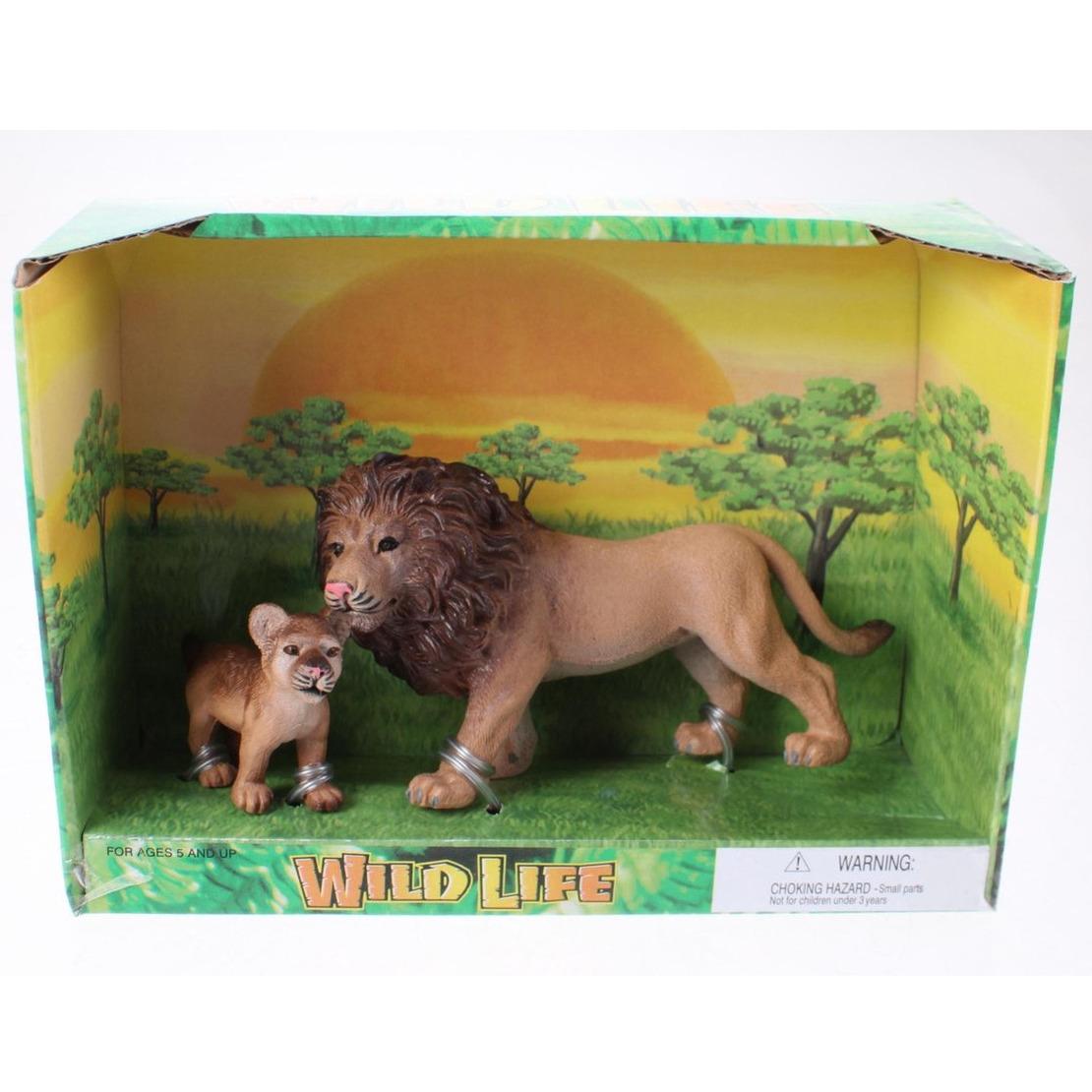 Plastic safari/wilde dieren leeuw met welp