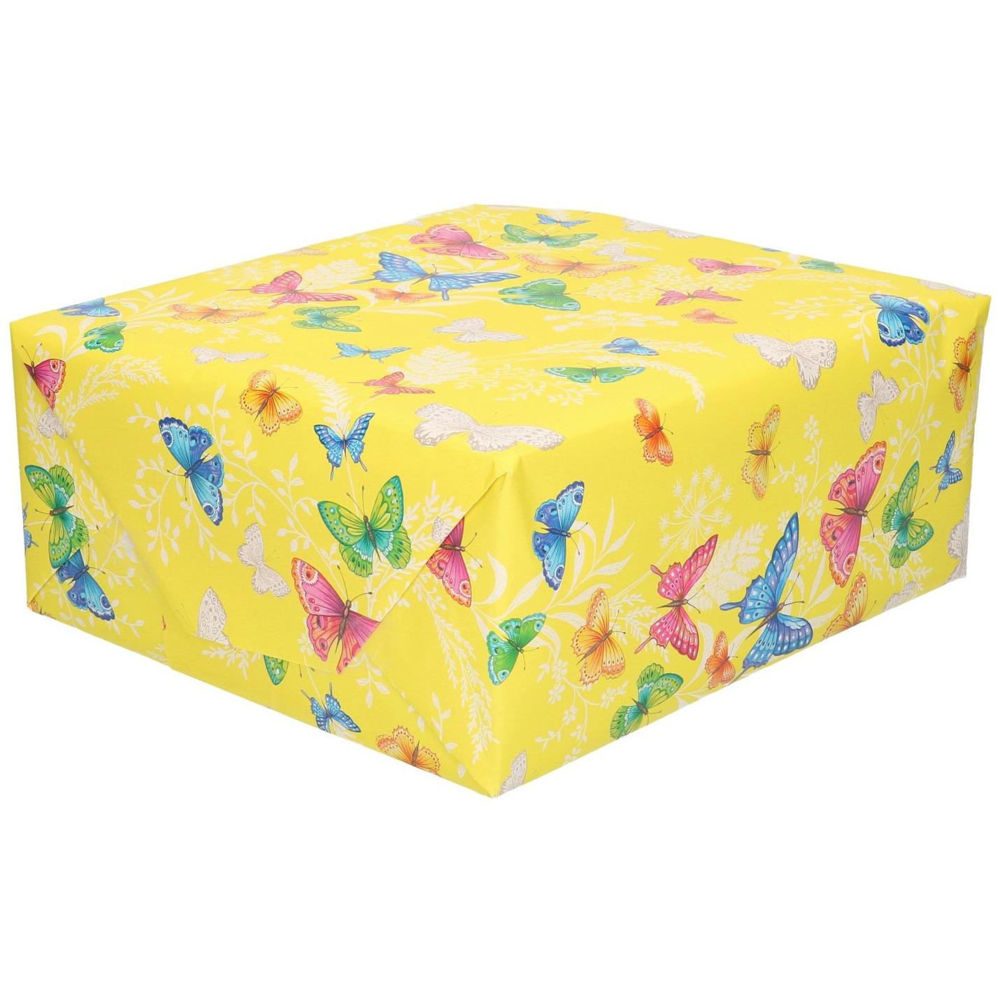 Rollen Inpakpapier/cadeaupapier geel met gekleurde vlinders 200 x 70 cm