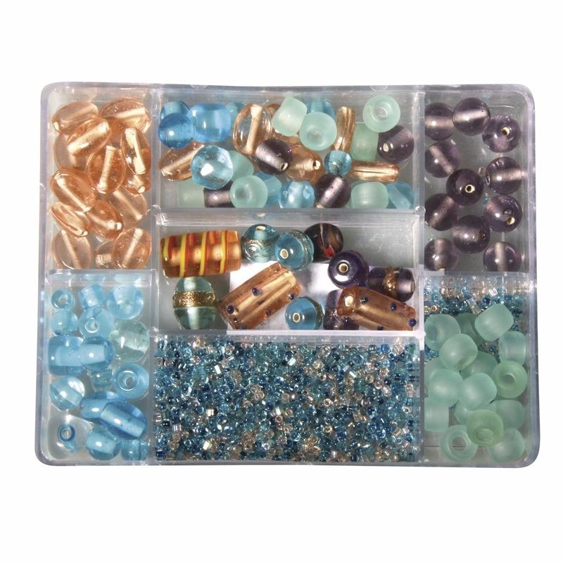 Turquoise/parel glaskralen in opbergdoos 115 gram hobbymateriaal